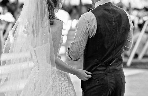 """8 tradiciones de boda que creíamos """"irrompibles"""""""