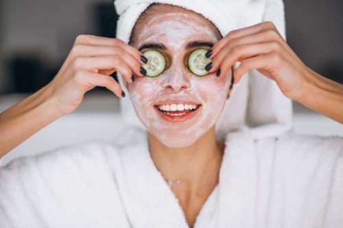 retrato-mujer-mascara-belleza_1303-13046